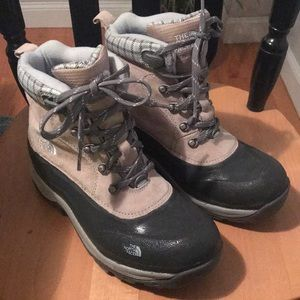 North Face Boots- like new
